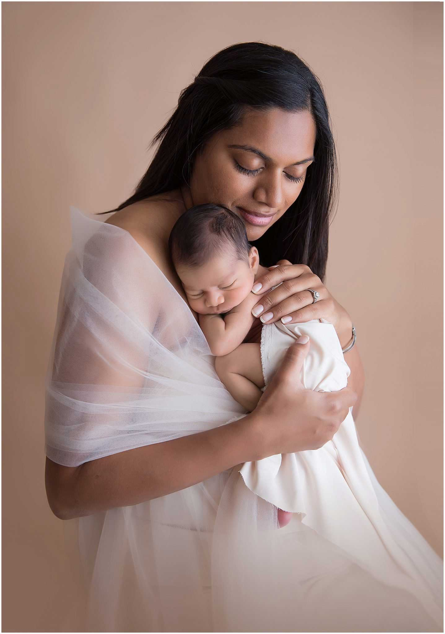 newborn and maternity photographer in SF Bay area